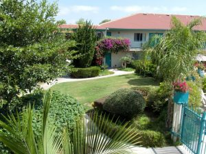 http://californiasuiteshotel.com/